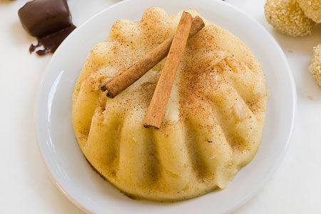 Amateur Cook Professional Eater - Greek recipes cooked again and again: Classic Greek Halvas - Spiced semolina pudding with syrup