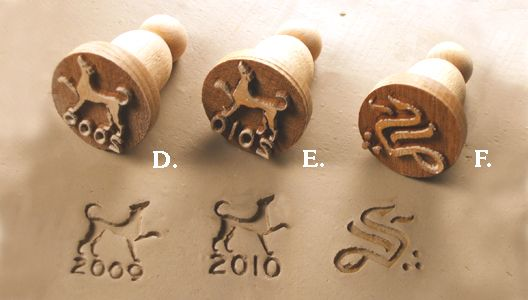 4clay.com sells custom pottery stamps of all kinds that provide highly detailed imprints of all kinds, whether they be icons, logos, or signatures of various sizes.