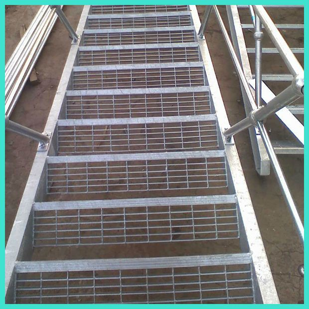Low Price Galvanized Metal Railing Outdoor Stairs