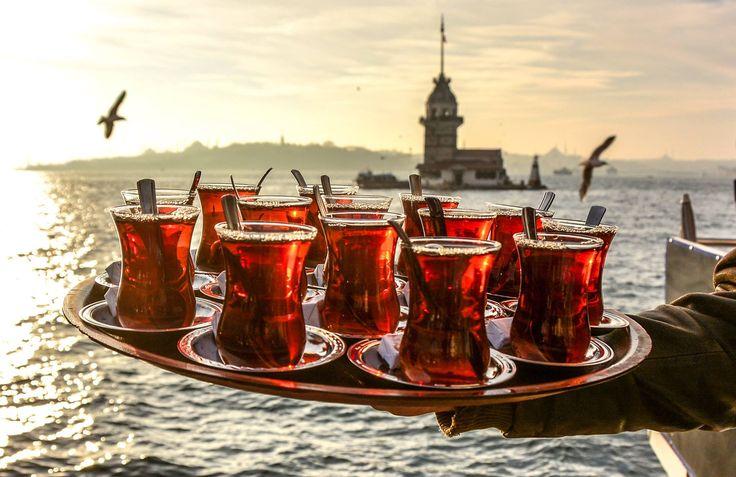 Oradan üç çay söyle , biri sağlığına, biri varlığına, biri yandığına olsun!. . .