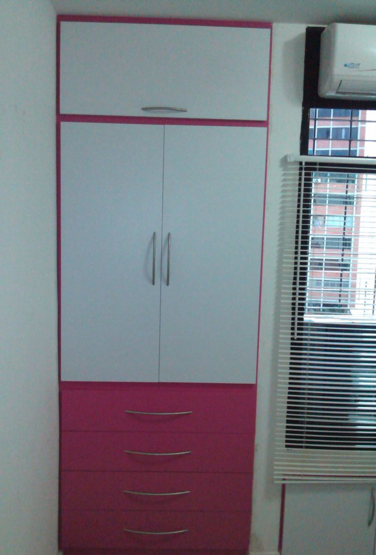C modo closet para espacios peque os con mdf y f rmica for Disenos de roperos para dormitorios pequenos
