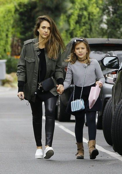 Jessica Alba Photos Photos - Actress Jessica Alba takes her daughter Honor Warren to a party in Beverly Hills, California on October 30, 2016. Honor held tightly onto her mom's arm while they walked together to the party. - Jessica Alba and Honor Warren Go to a Party in Beverly Hills
