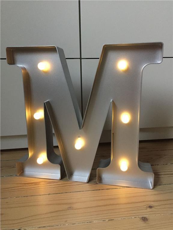Annons på Tradera: Lysande bokstav M (bokstavslampa,cirkuslampa,lampa,barnrum)