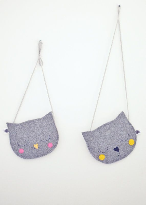 Felt mini bag for childrens little treasures. Handmade of grey, impregnated felt. You can choose the color of nose, blushes and strap - I love custom orders so feel free to contact me :) Shoulder strap lenght is adjustable - just tie the knot :) About 17cm width (6.6in) READY TO SHIP in a day or two! :)