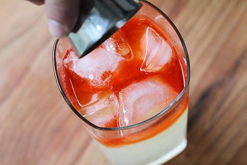 Limonade-vodka à la fraise. #limonade #cocktail #fraise #vodka (photo: Marie Charest - Remarke)