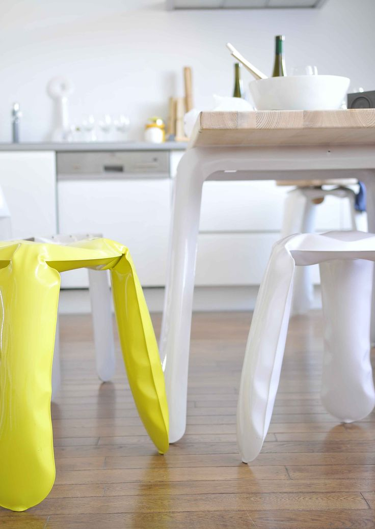 PLOPP STOOLS IN SPECIAL OFFER AT OIKOS