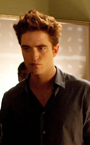 New-Stills-Breaking-Dawn-twilight-series-27078704-742-1199 - TwiFans-Twilight Saga books and Movie Fansite