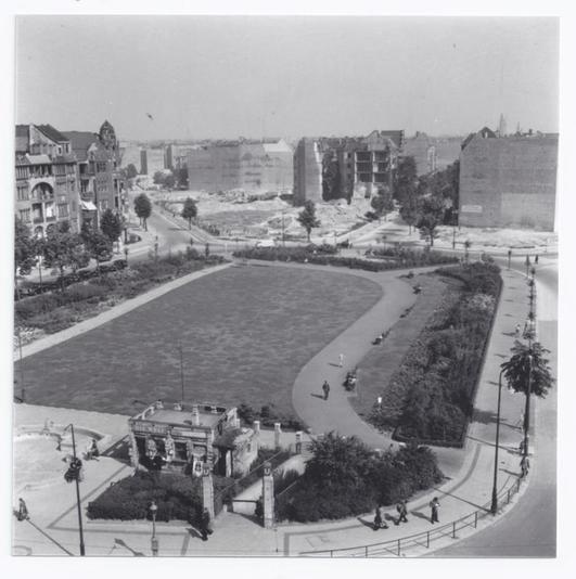Idyll in Trümmern: So sah der Bayerische Platz 1950 aus