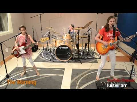 15-Year-Old Daniela, And Her 2 Younger Sisters Call Themselves 'The Warning' And Their Cover Of Metallica's 'Enter Sandman' Has Gone Viral! | Shock Mansion