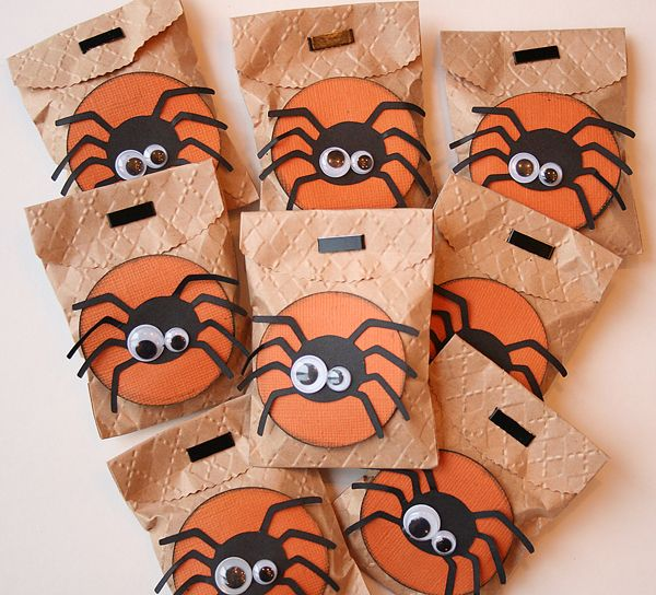 cute treat bags could also do some in white for christmas no spiders of - Halloween Treat Holders