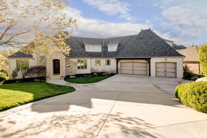 Experience The Security Tranquility Of Timberbrook A Beautiful Luxurious Gated Community In So French Provincial Home Missouri Real Estate Gated Community