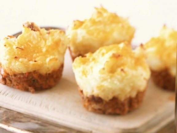 Englische Shepherd's Pies ist ein Rezept mit frischen Zutaten aus der Kategorie Gemüse. Probieren Sie dieses und weitere Rezepte von EAT SMARTER!