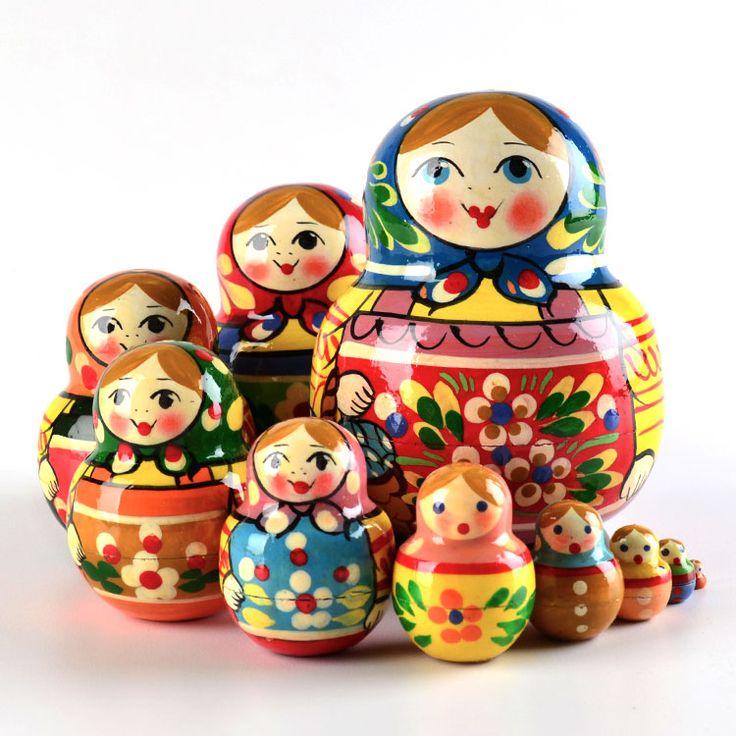 Matryoshkas – Russian nesting dolls.  #folk #art #matryoshka