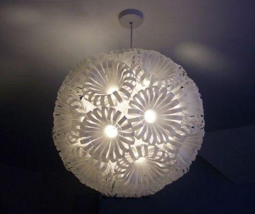 bouteille recyclé | Lampe recyclée par Sarah Turner - Blog Déco Design
