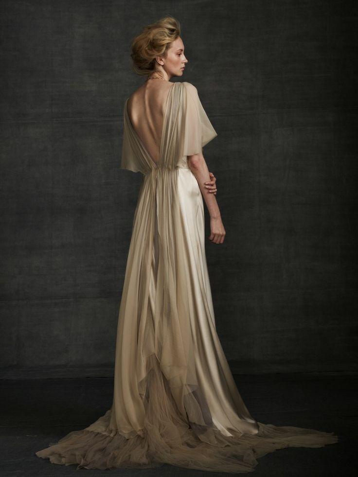 Flowy Samuelle gown: #weddingdress #beige