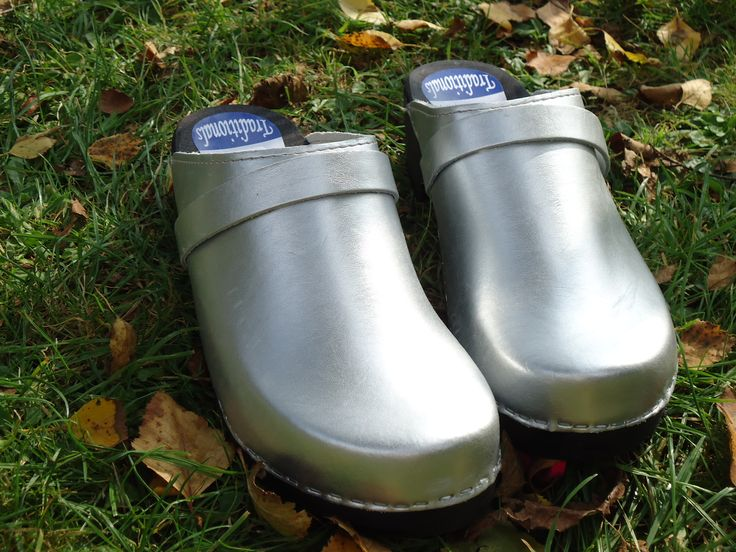 zweedse klompen, holland traditionals, design, clogs, wooden shoes