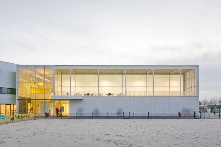 Sports Hall / Slangen + Koenis Architects