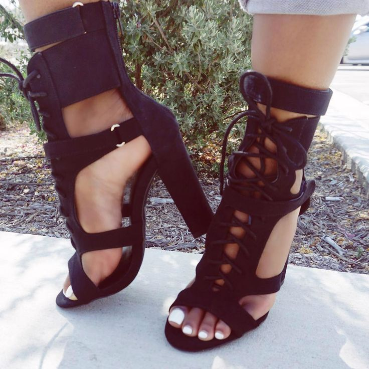 Erotic shoes and feet