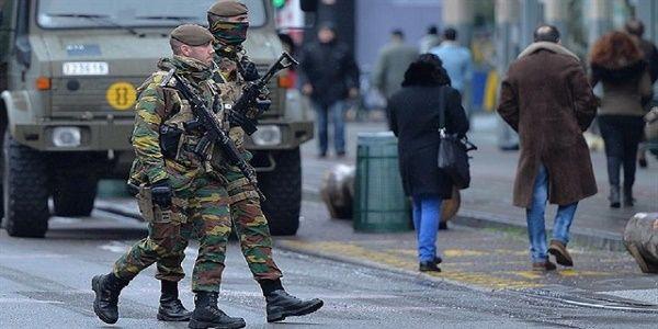 Το νέο ευρωπαϊκό μοντέλο: Στρατός στους δρόμους μέχρι το 2020 και... βάλε!
