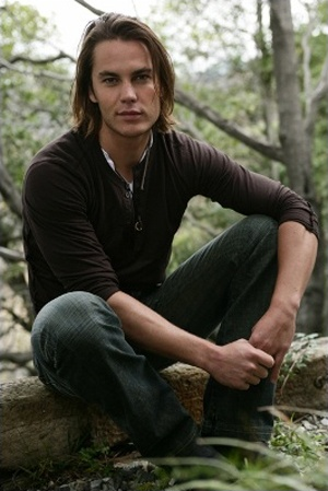 Oh how I love me some Tim Riggins!!!
