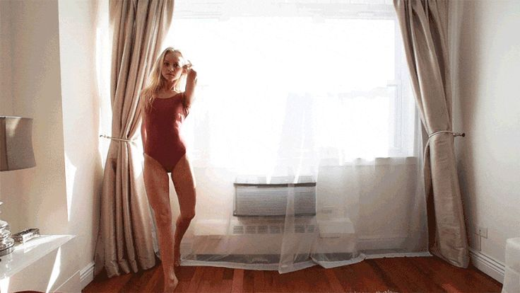 Damon Dahlen Captures Amazing Images of NYC's Ballerinas in Their Homes #inspiration #photography