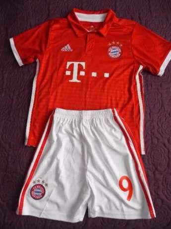 Komplet dziecięcy Bayern Lewandowski 135-145cm Częstochowa - image 1