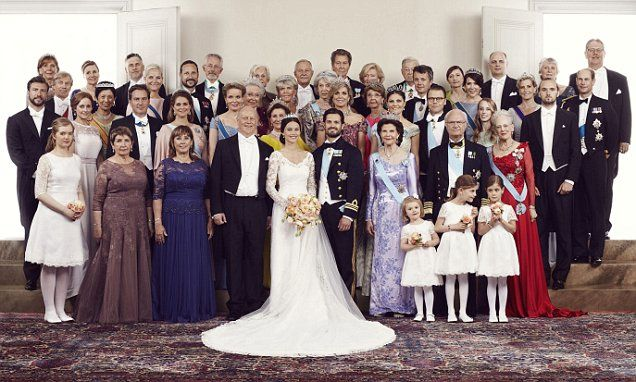Prince Carl Philip and Sofia Hellqvist's official wedding photo