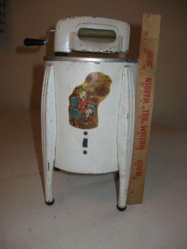 Vintage Metal Child S Miniature Kitchen