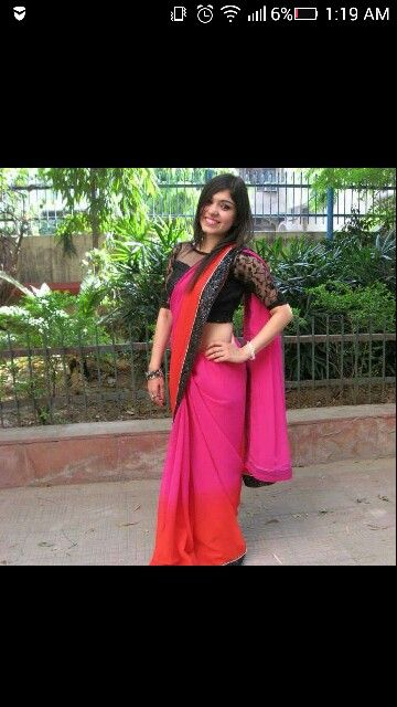 A perfect saree a girl can wear in her college farewell.