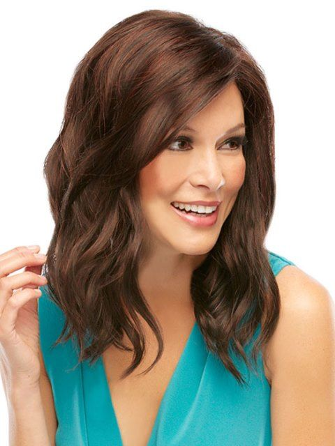 Easy Chic Medium Wavy Hair for square faces 2