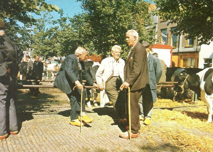 De Koemarkt te Purmerend, Nederland, in 1972 (Beeldbank Waterlands Archief, fotonummer: WAT001023233).