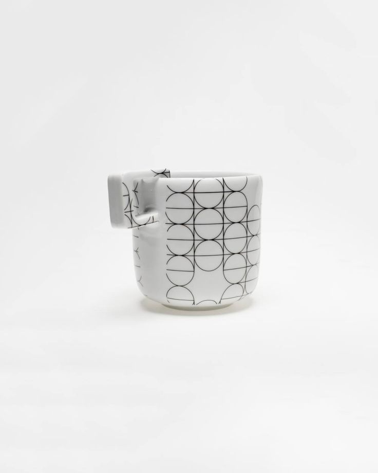 Mug – Scandinavian Porcelain mug, element of SCANDINAVIAN SET collection. SCANDINAVIAN SET is created in the spirit of Craft Design – popular trend among designers manufacturing products in their studios. Products are handmade, therefore there might be slight differences between each item.