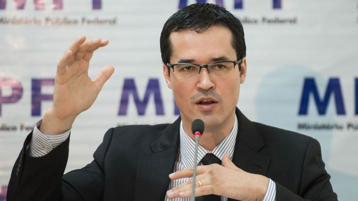 #ForaTemerhttp://www.debateprogressista.com.br/percebem-deltan-dallagnol-contratou-o-mesmo-marqueteiro-do-governador-do-parana-beto-richa-psdb/