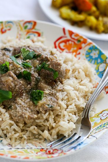 Slow Cooker Indian Beef - www.PerrysPlate.com