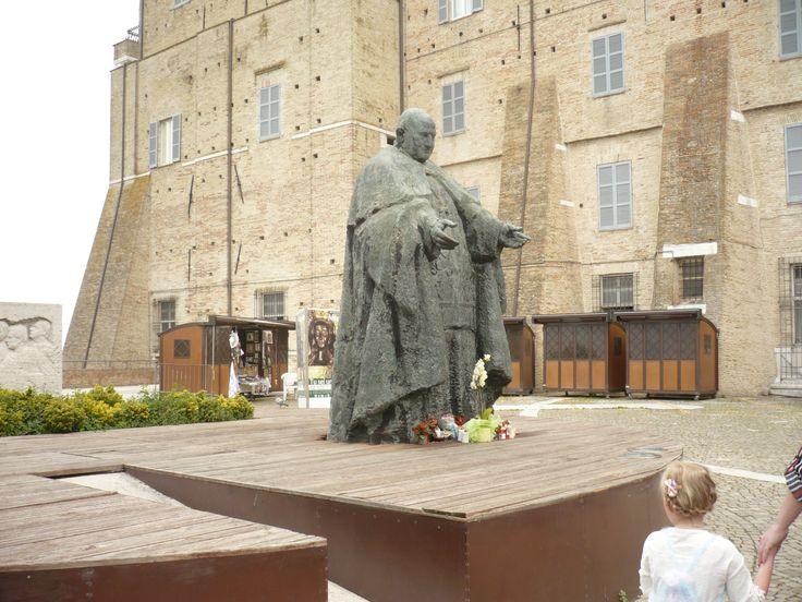 LORETO (Italie) lieu saint de la vierge noire