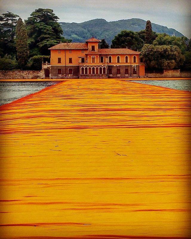 #landscape#landscape_lovers#spring#colors#color#orange#christo#naturelovers#thefloatingpiers#sanpaolo#iseolake#volgolombardia#volgobrescia#loves_lombardia#vivonatura#igworld_nature#ig_captures#ig_brescia#ig_lombardia#visititalia#earth_escape#lombardia_super_pics#ptk_nature#top_lombardia_photo#top_italia_photo#eupoliafp