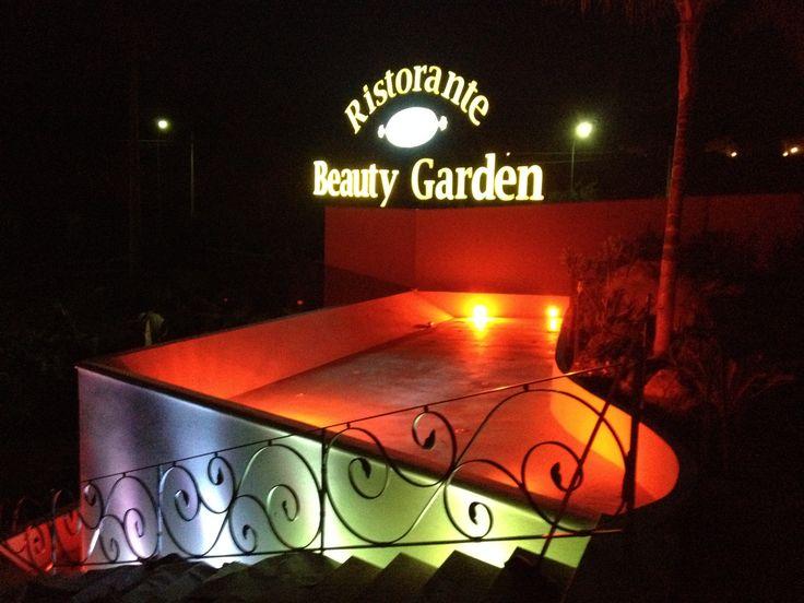 Beauty Garden Banqueting, cascate d'acqua