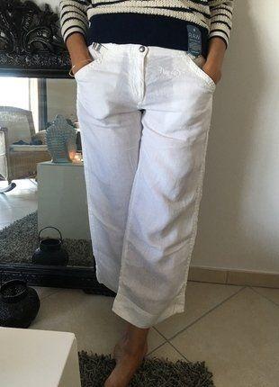 À vendre sur #vintedfrance ! http://www.vinted.fr/mode-femmes/pantacourts/31721496-pantacourt-blanc-de-la-marque-napapijri