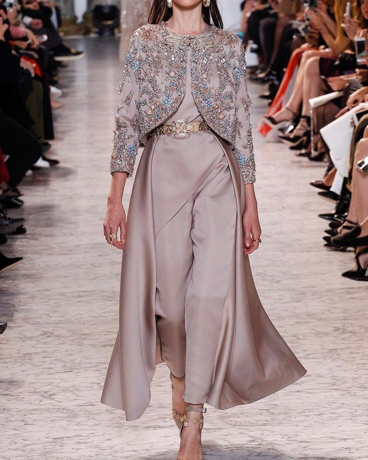 "3,309 oznaka ""sviđa mi se"", 29 komentara – Pakistan Fashion Trend (@pakistanfashiontrend) na Instagramu: ""Elie Saab Couture 2017"""