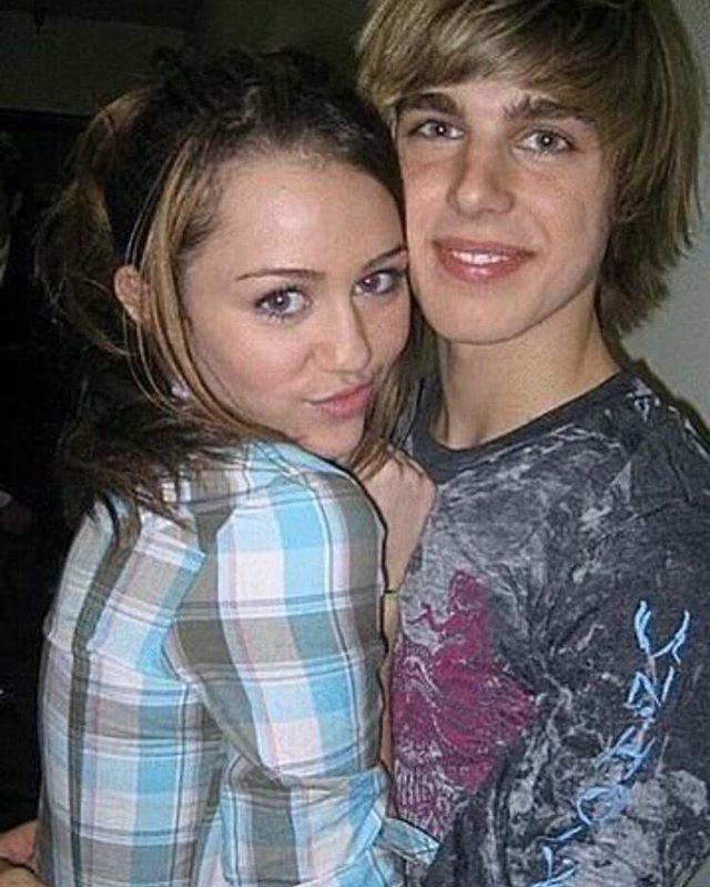 "Cody Linley via twitter and instagram: ""Happy 24th birthday @MileyCyrus #Celebrate #HappyHippie"" 😭❤️"
