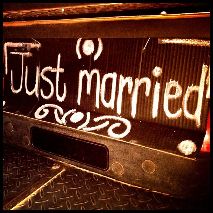 #wedding #country #justmarried #golfcar #wagon #wood #hay #bales #love #décor #event #dam www.jades.co.za
