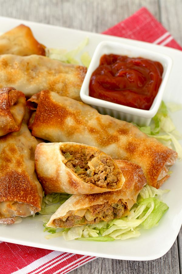 This is not a drill. We've created low-calorie egg rolls stuffed w/ cheesy burger goodness! We used an air fryer to cut the excess oil & calories typical of fried food… and created crispy Cheeseburger Egg Rolls you'll flip for! 1 egg roll: 153 calories | 4g fat | 11.5g protein | 4 Weight Watchers SmartPoints | PIN!