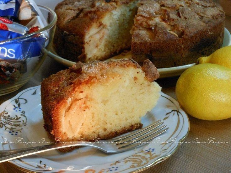 ✔Аппетитный, румяный и сочный йогуртовый пирог с яблоками да с чашечкой душистого чая, да в кругу родных или друзей… что может быть лучше в прохладную пору?! Испеките невероятно вкусный пирог, не пожалеете!  ♨ Йогуртово-яблочный пирог с карамельно-коричной корочкой  Автор Эмма Беседина  Такой пирог приятно порадует Вас своей сладкой карамельной хрустящей корочкой с ароматом корицы, приятной яблочной кислинкой и тающими во рту нежными кусочками фруктов !  Рецепт: йогурт персиковый(с…
