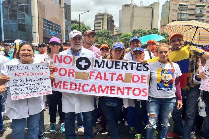¡SALUD EN JUEGO! Médicos no aceptan anuncio de Nicolás Maduro