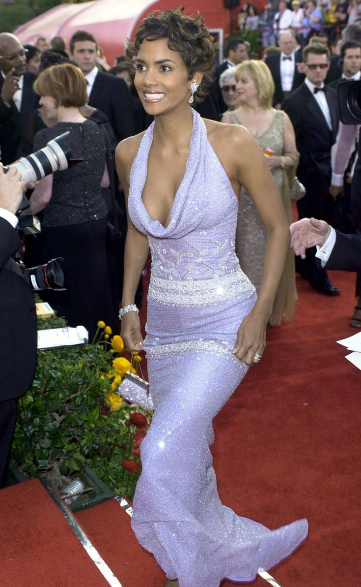 Purple Dress Lavender Halle Berry In 2019 Halle Berry