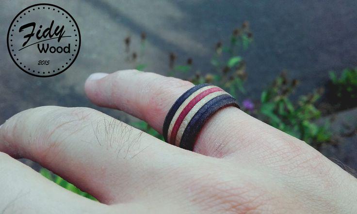 Recycled skate wood ring , ruční výroba , recyklované staré skate desky   Czech rep. recycled skate product