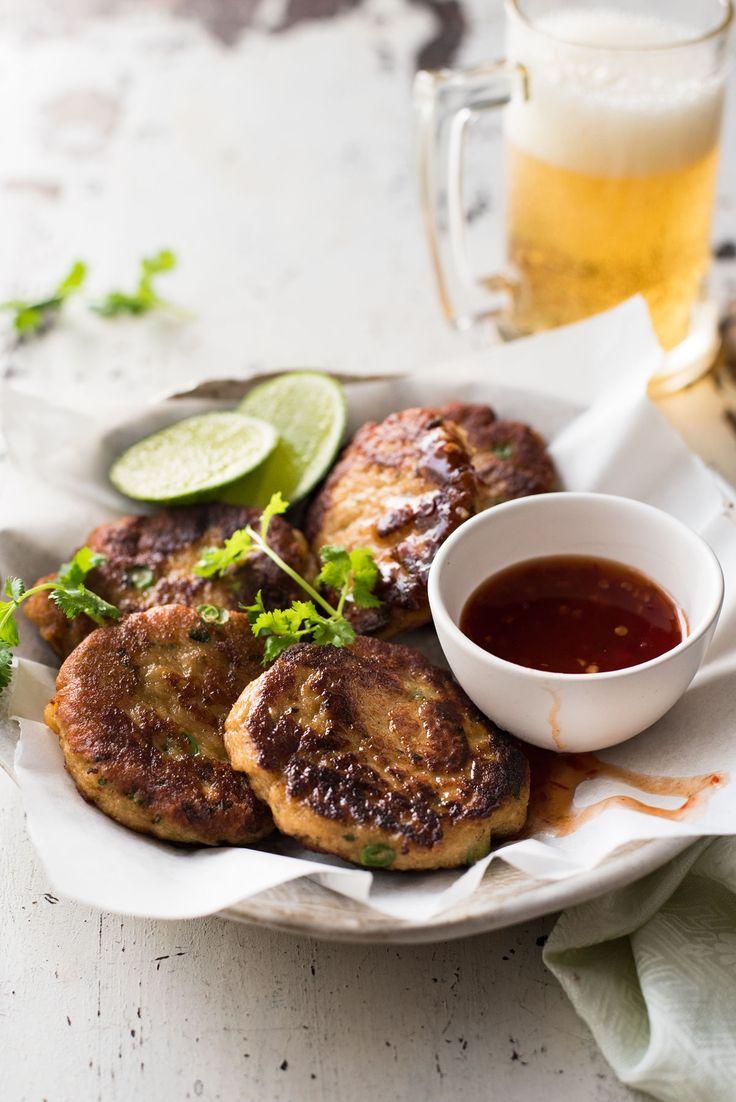 Thai Fish Tortas - Este popular aperitivo tailandés es tan fácil de hacer!  Esta es verdaderamente la calidad del restaurante.