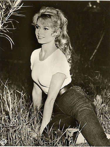 Brigitte Bardot, jeans and t-shirt