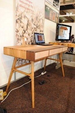 Skrivebord i eik og valnøtt - FINN Torget