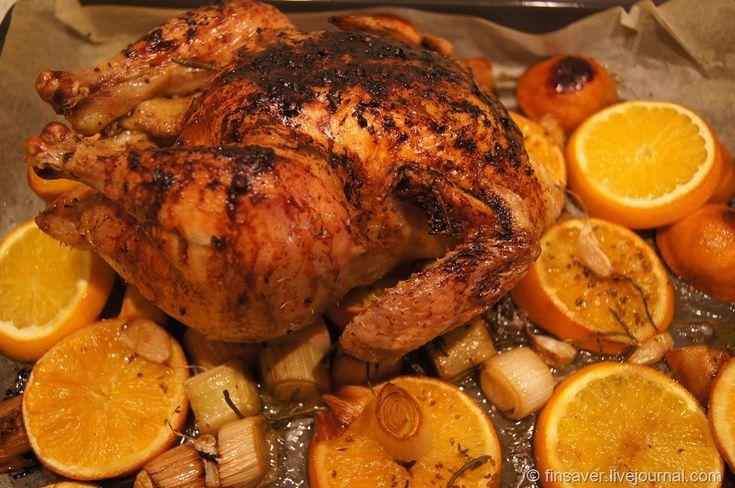 1) Утка с яблоками Ингредиенты:   выпотрошенная утка 2.5 — 3 кг  кислые яблоки 6 шт.  чеснок 2 зубчика  гарам масала 2 ч.л.  оливковое масло 2 ст.л.  острый соус чили 1 ...